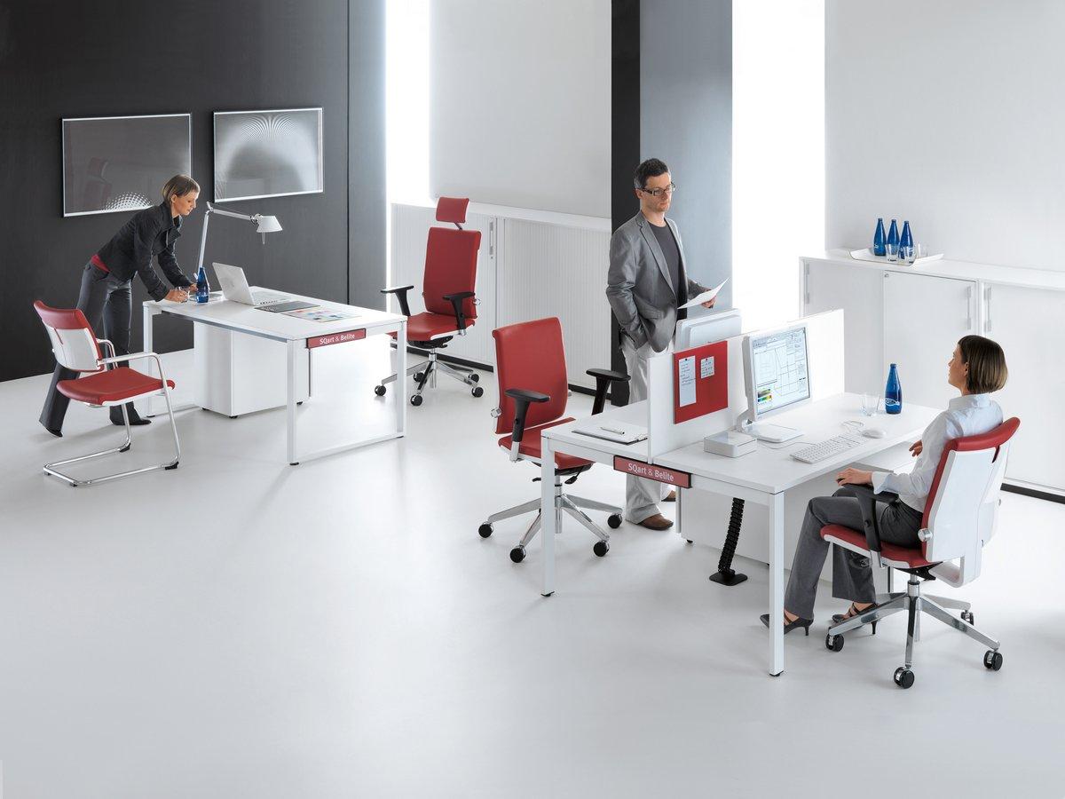 Fotele biurowe obrotowe BELITE w biurze
