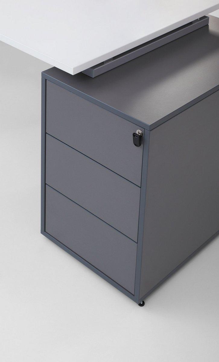 Szary kontener podbiurkowy z szufladami zamykany Pluris