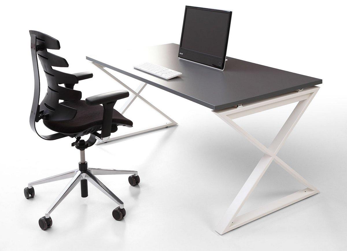 Biurko systemu mebli biurowych Pluris na stelażu IKS kolor biały blat biurka szary