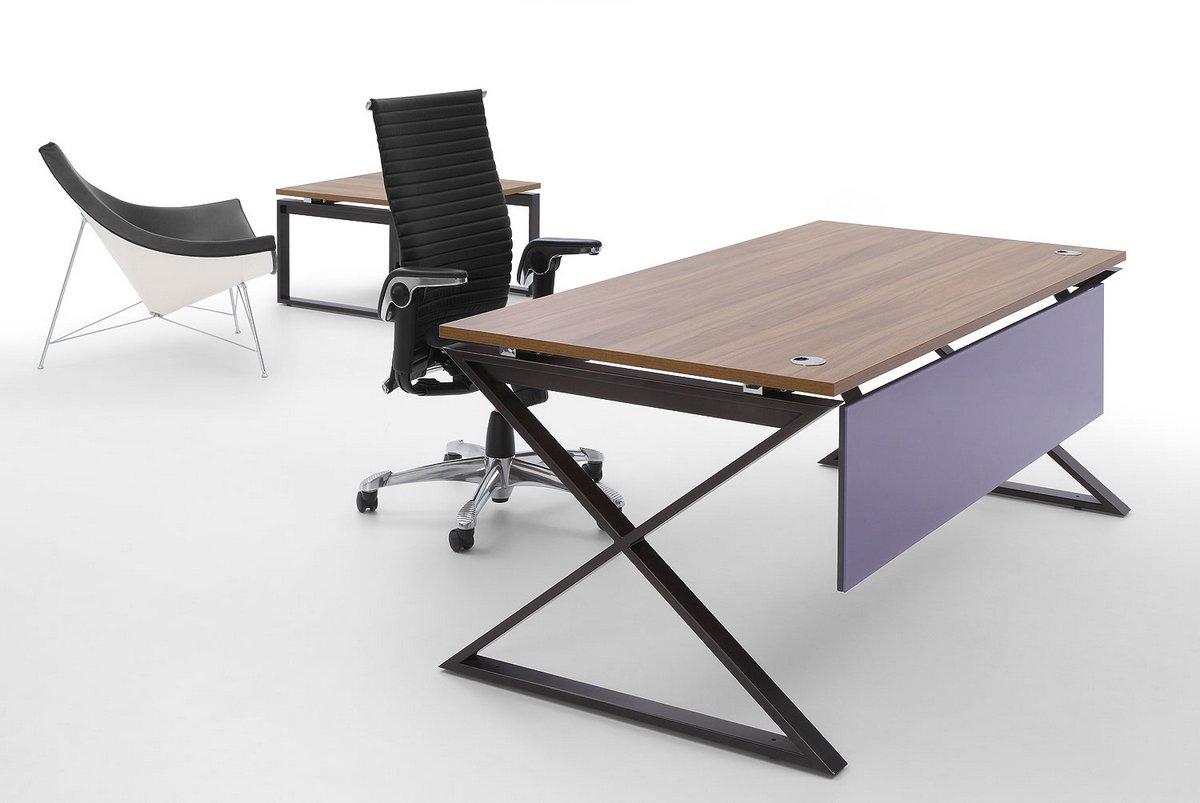 Biurko pracownicze Pluris blenda frontowa  fioletowa stelaż biurka IKS