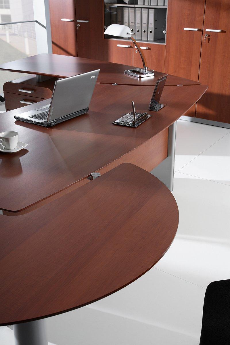 Nowoczesne biurko gabinetowe Carisma z dostawką