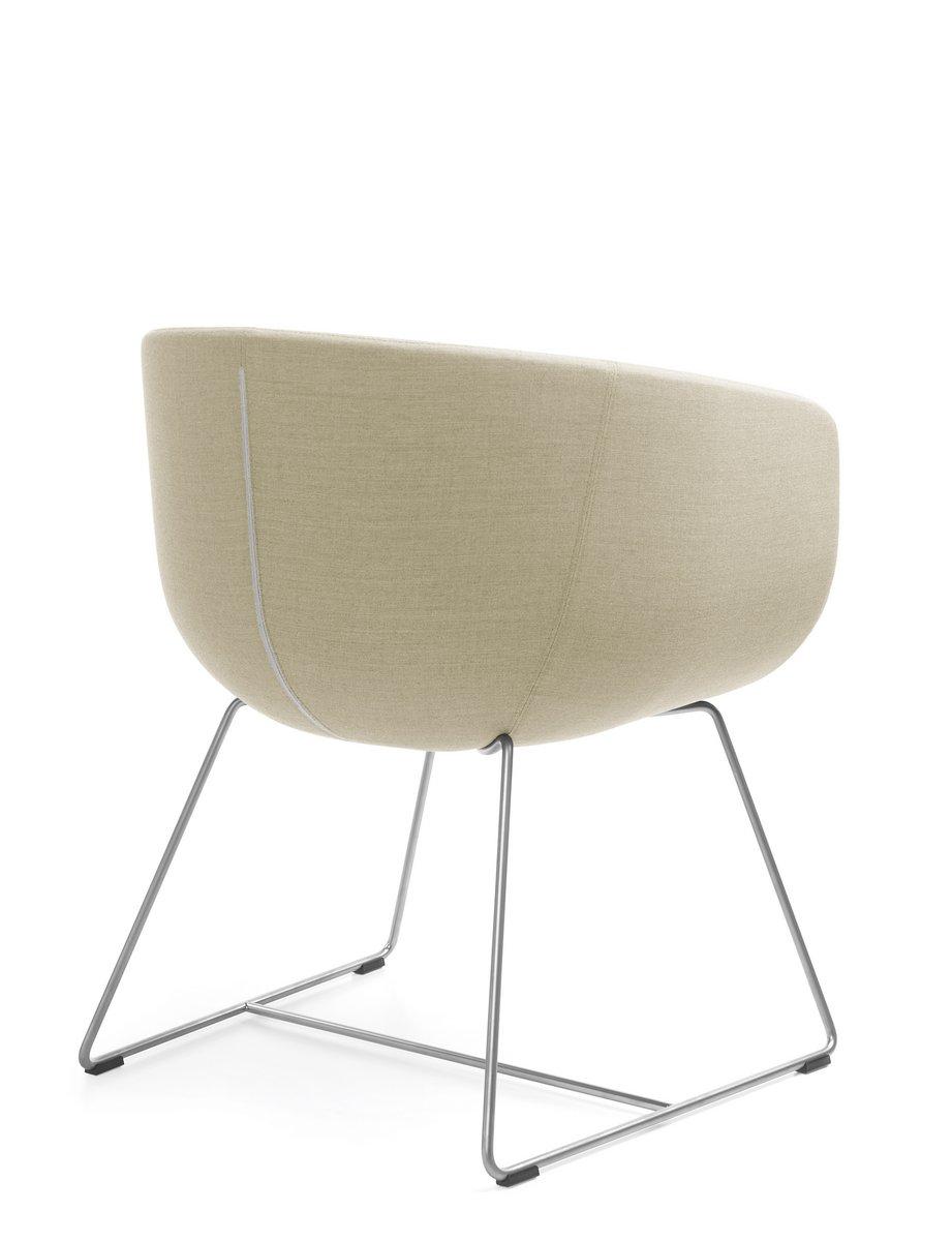 Beżowy fotel konferencyjny Nu, beżowe krzesło konferencyjne NU