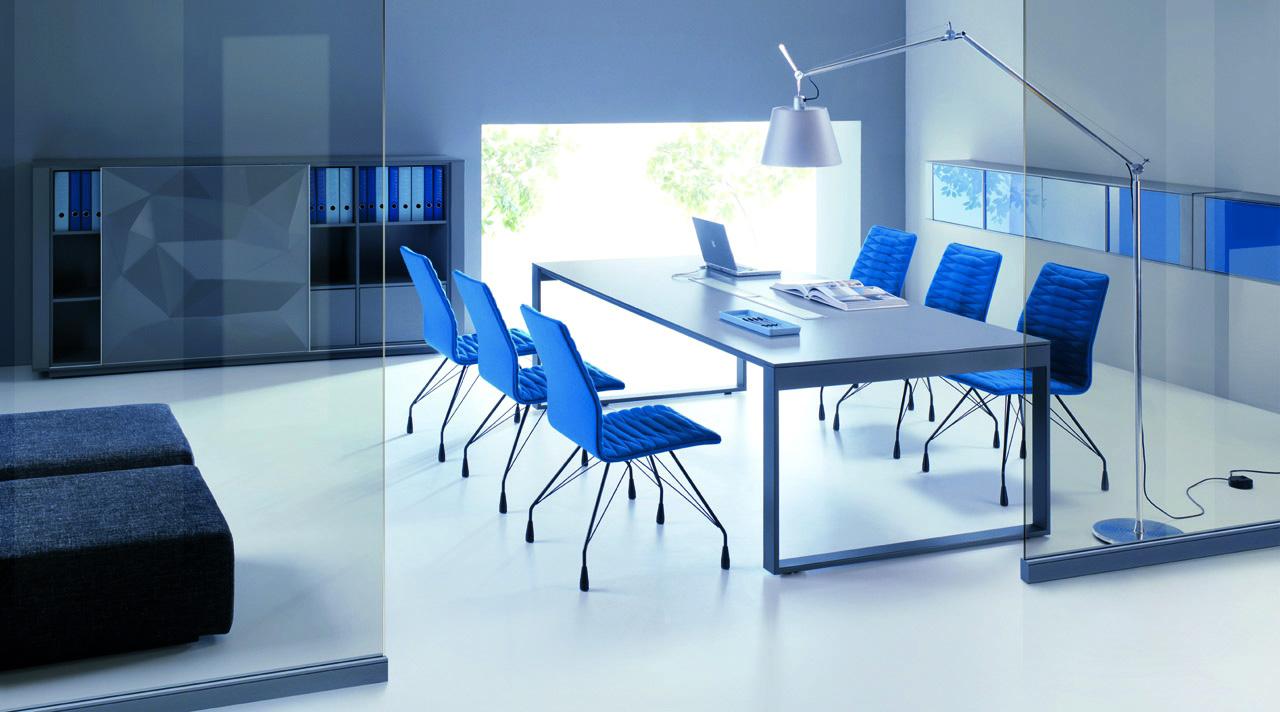 Nowoczesne stoły  gabinetowe BRAND, system mebli gabinetowych BRAND, stoły wolnostojące do gabinetu BRAND