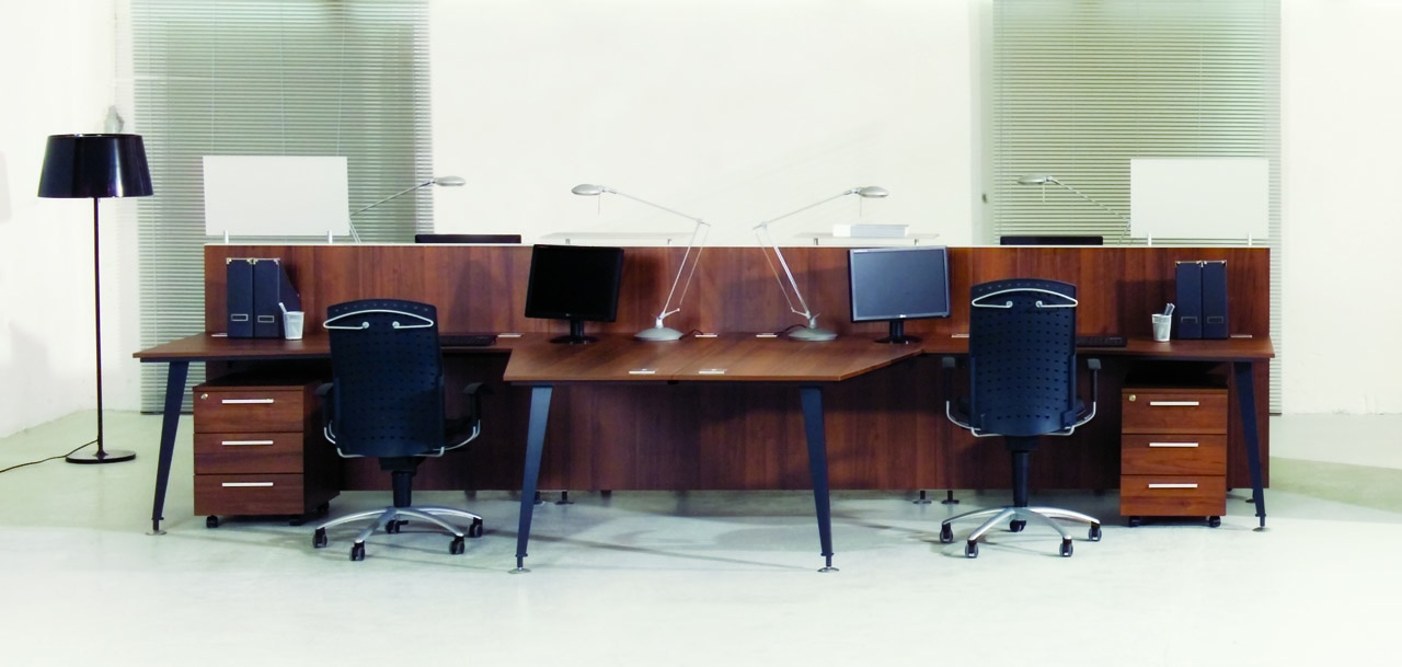 Biurka typu bench, meble biurowe brązowe EVO, brązowe biurka EVO