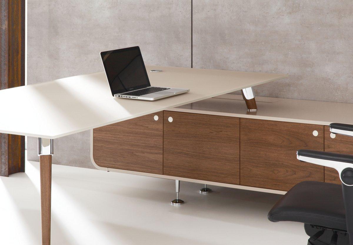 Ekskluzywne meble gabinetowe Astero, biurko gabinetowe Astero, duże biurko do gabinetu Astero
