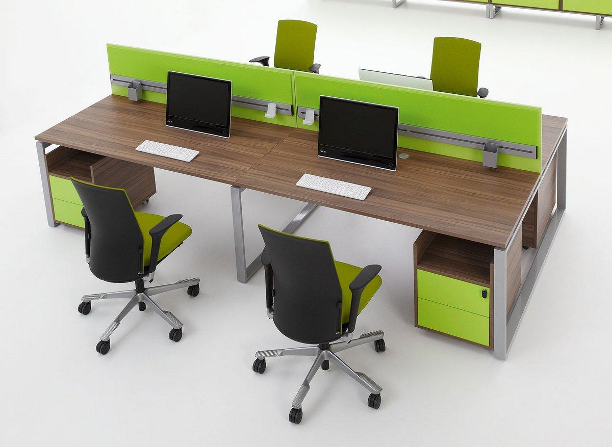 Meble biurowe Pluris dwa stanowiska biurowe ze ściankami działowymi regałem biurowym