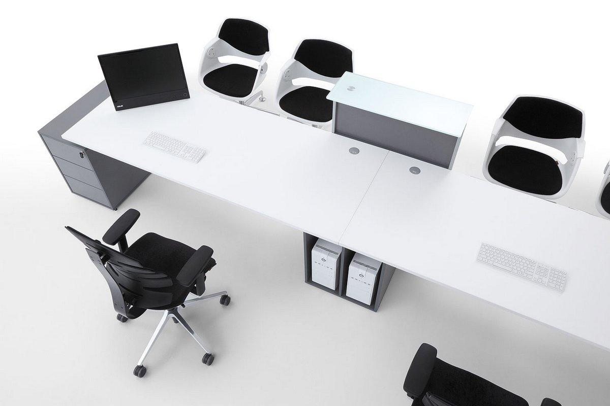 Podwójne biurko dla pracowników szafki kontenery do biurka z systemu mebli Pluris