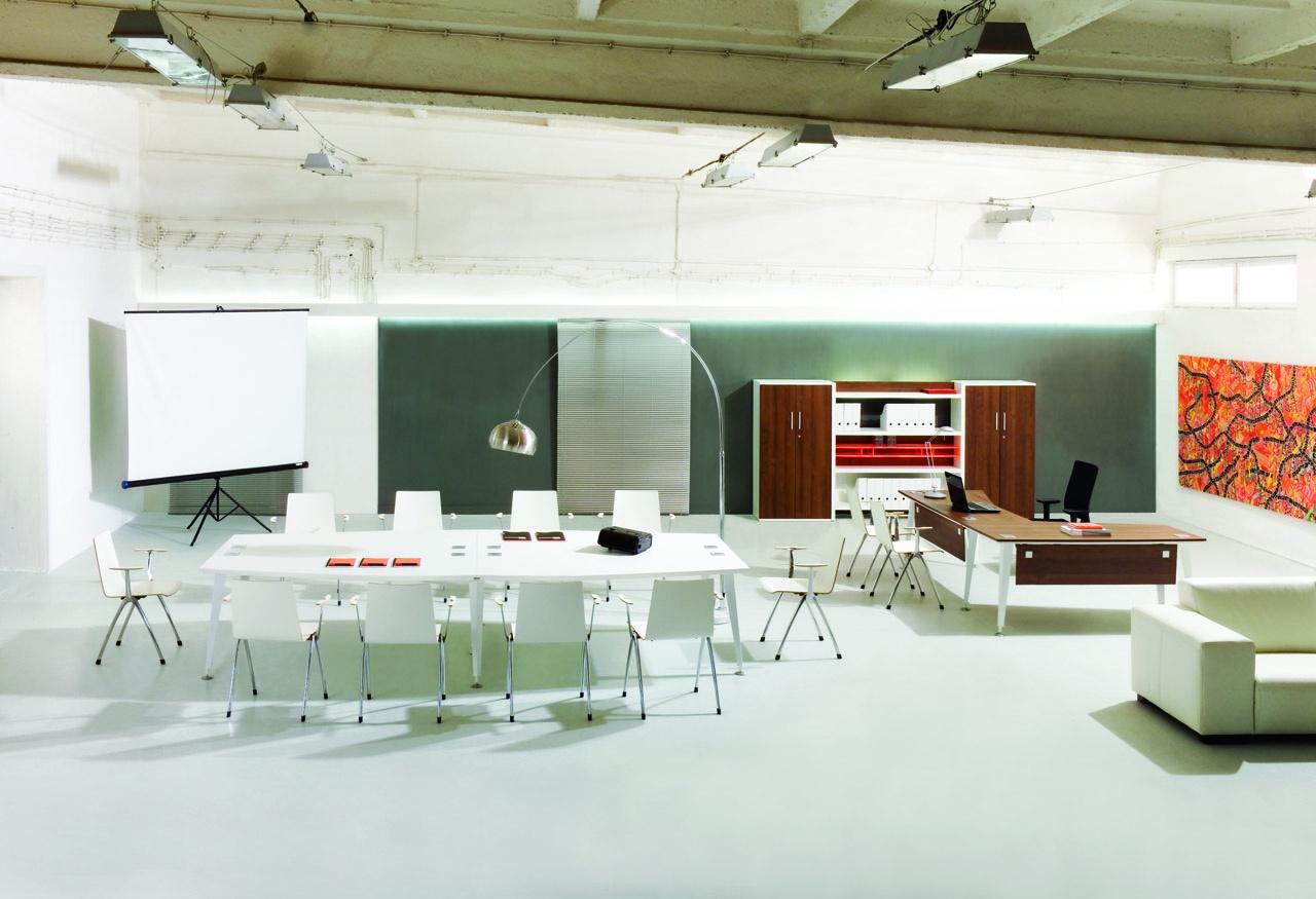 Meble biurowe EVO dla pracowników, stół konferencyjny EVO